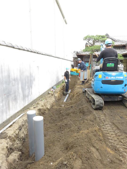 管を新設しています。上下水、排水、電気などは数十年単位での交換が必要になってきます。