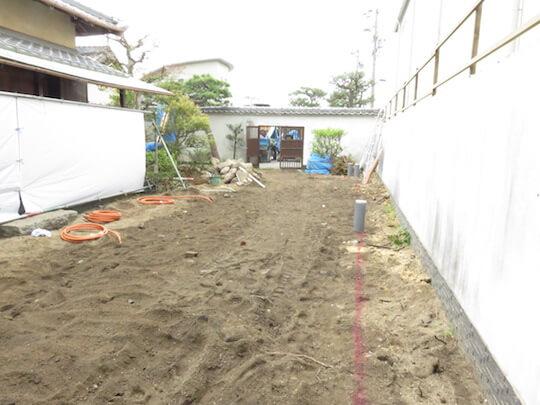 お庭はすっかり更地になりました。