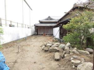 一度撤去された石や木々も再活用され生まれ変わります。