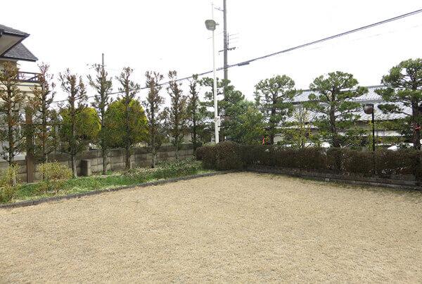 月と版築の庭5937