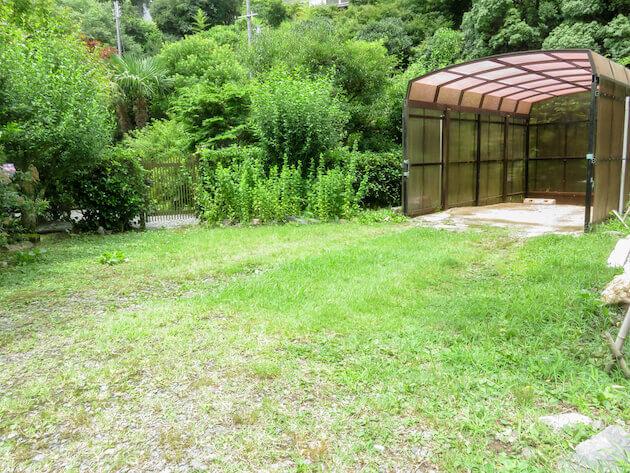 湿気が多いため、草刈をしても2週間くらいで草が生えてしまう。